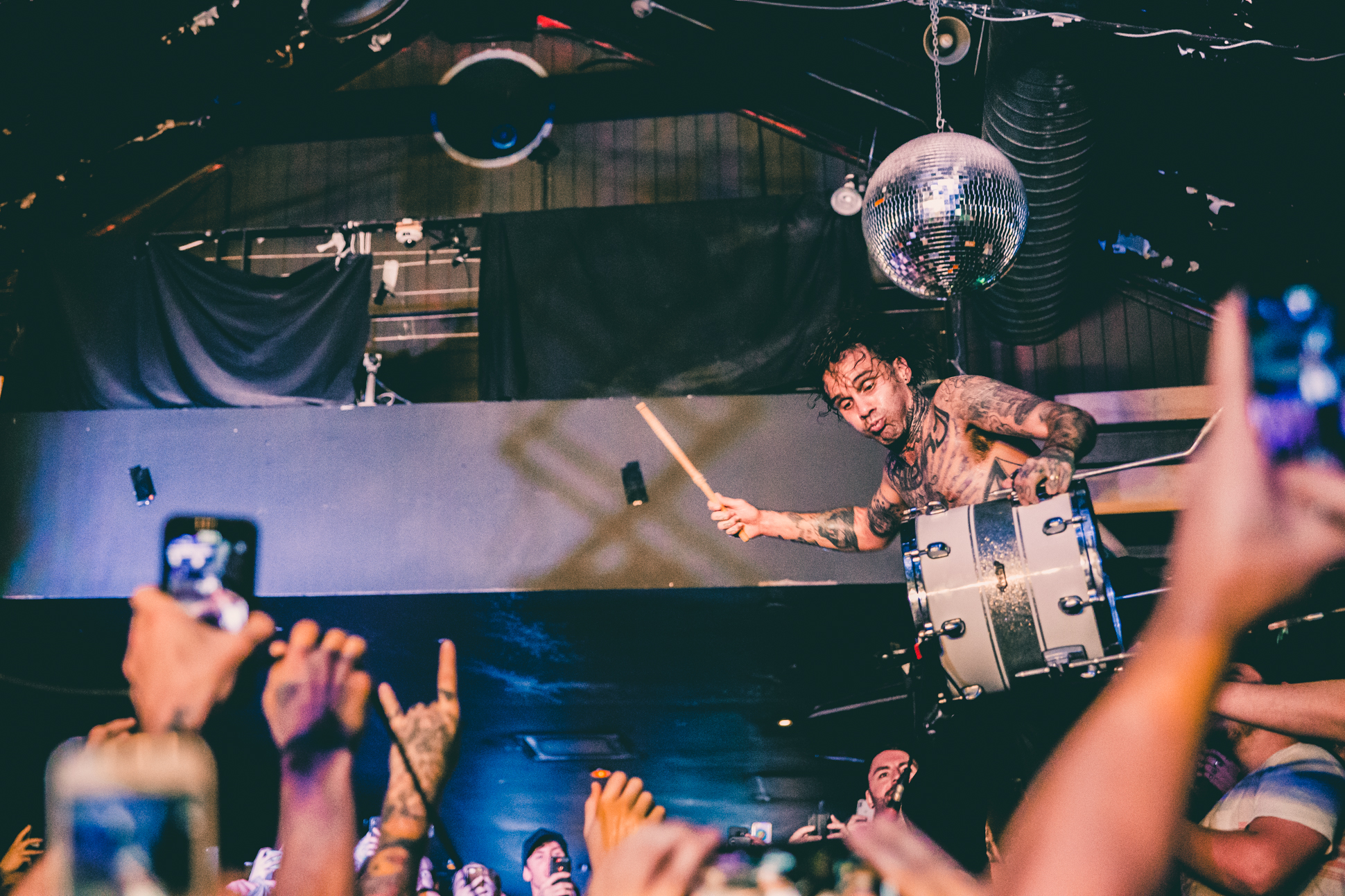FEVER 333 (53 of 58)