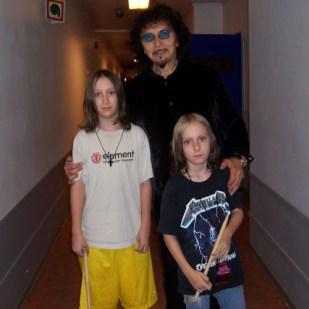 The Cavaleras and Tony. Photo: gloriacavalera.com
