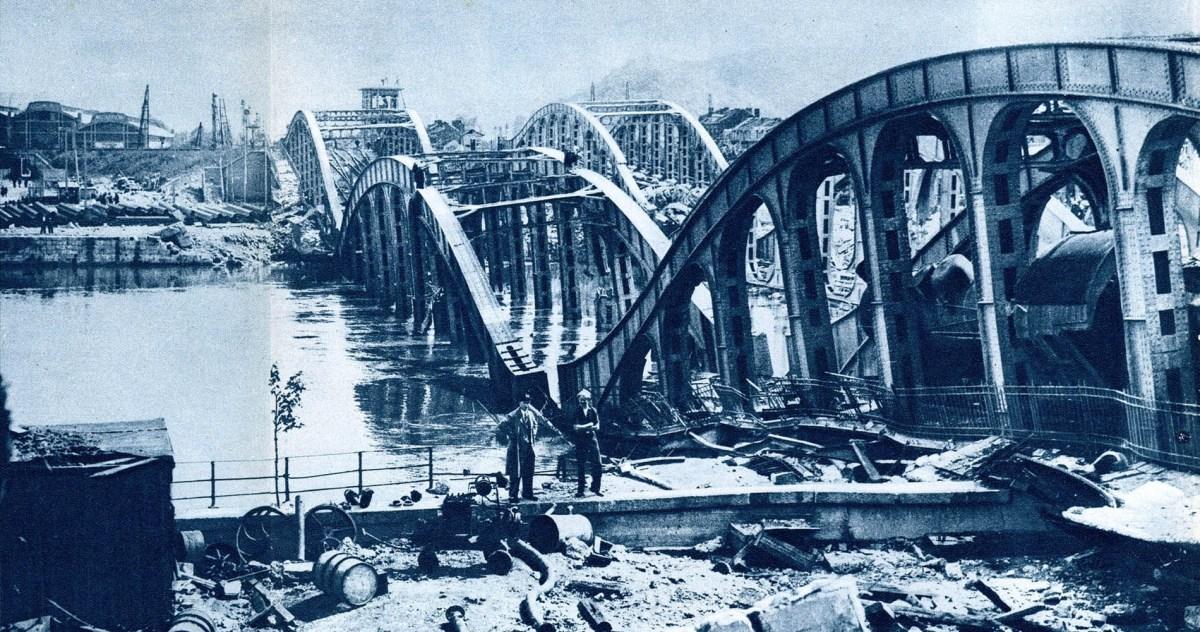 MARECHAL : L'explosion du pont du Val-Benoît et du vieux pont d'Ougrée (CHiCC, 1994)