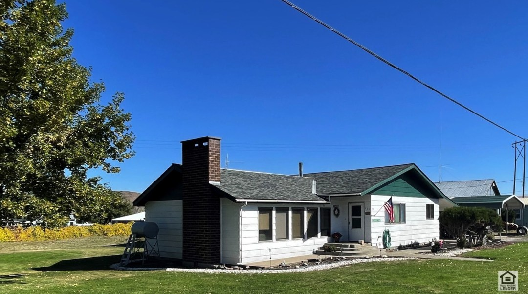 Good solid, well maintained 3 bedroom and 2 bath home