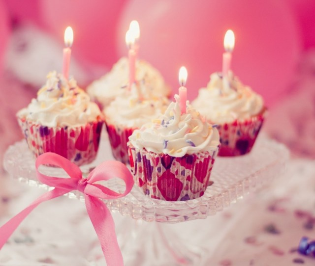 Wallpaper Hd Candles Holiday Cream Sweet Cupcakes Pink Hd W