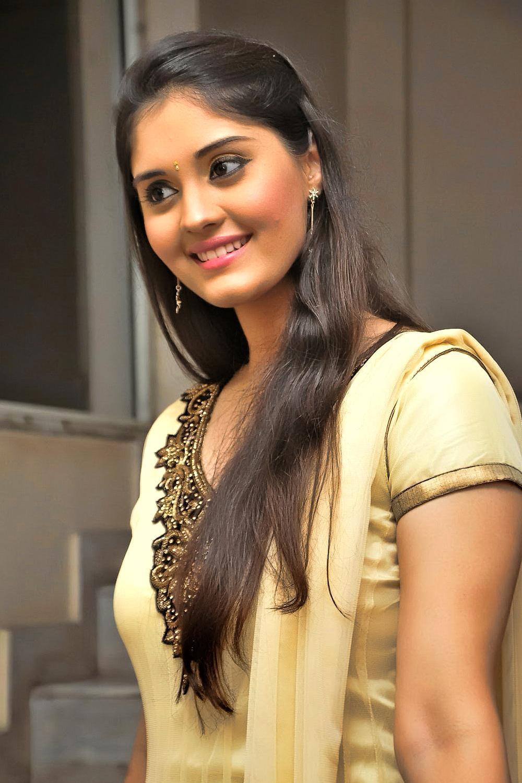 Tamil Actress Hd Wallpapers Top Free Tamil Actress Hd Backgrounds Wallpaperaccess