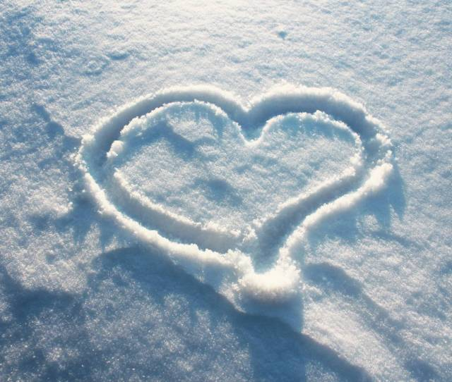 Winter Love Wallpapers Hd Wallpaper Of Love Hdwallpaper