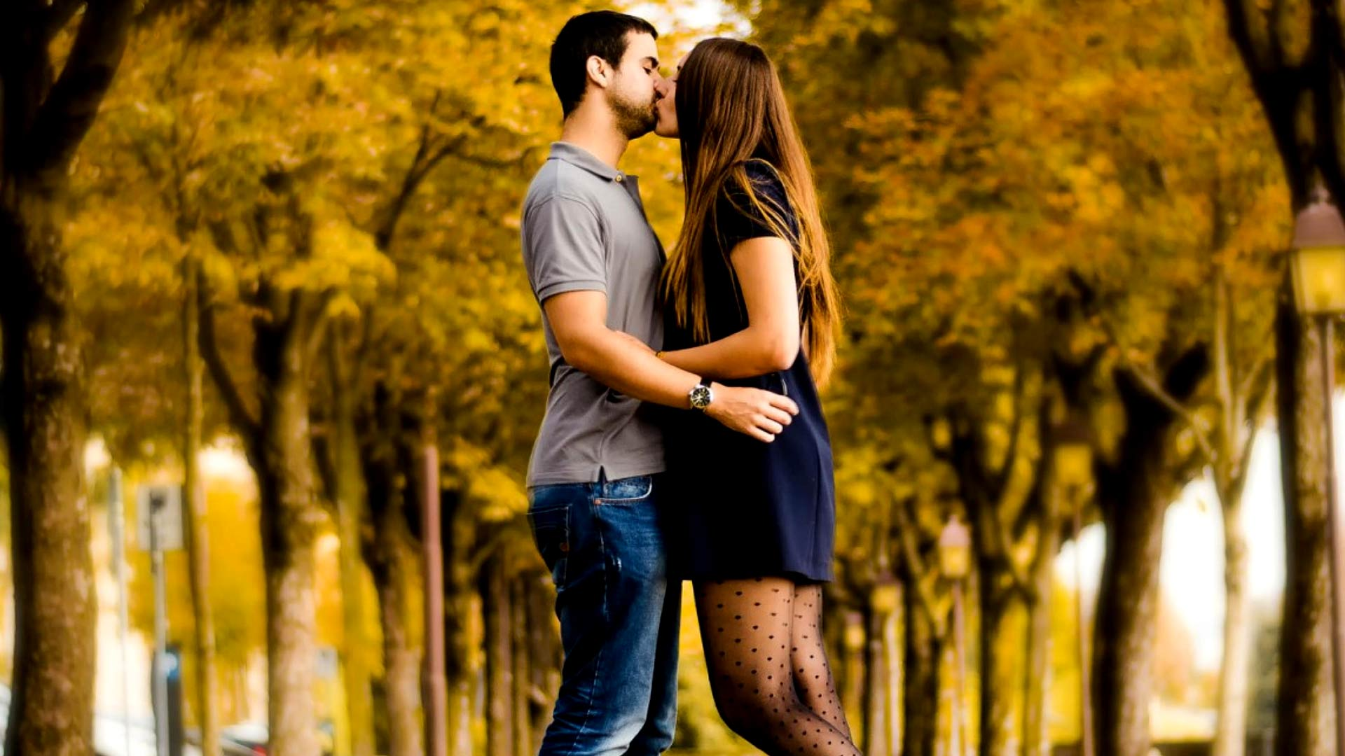Romantic Love Kiss Images Download