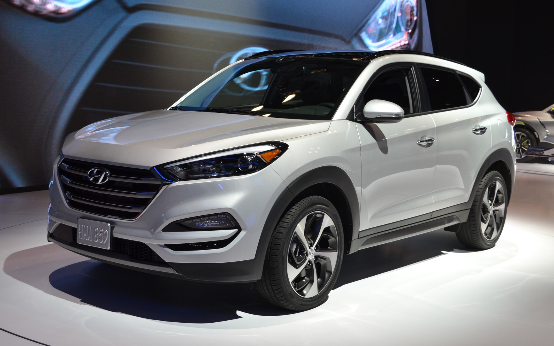 Hyundai Tucson 2016 HD Wallpapers Free Download