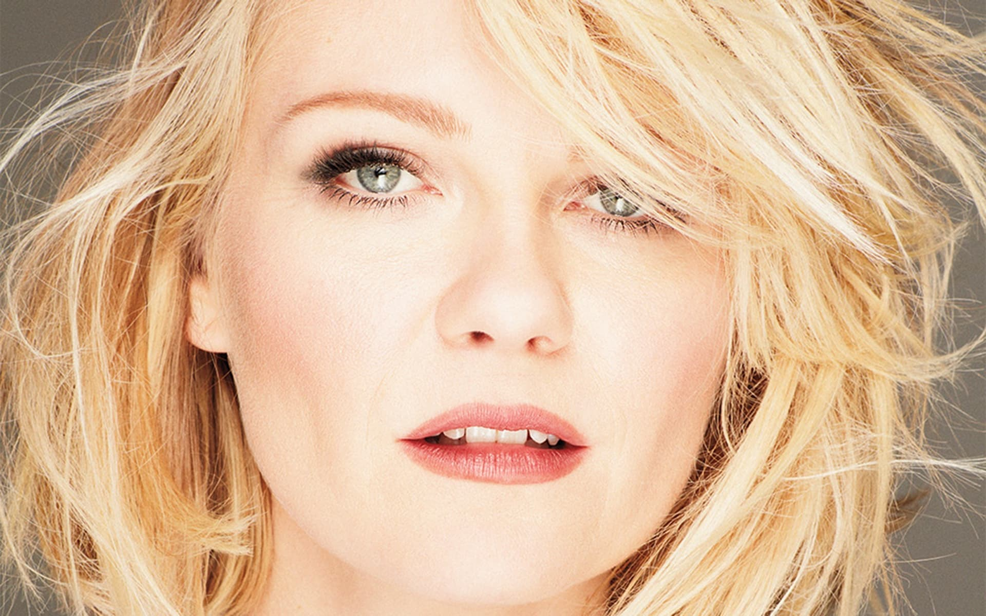 Kirsten Dunst Wallpapers Hd Images And Pictures High