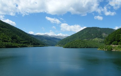 Green Mountains & Big River wallpapers | Green Mountains ...