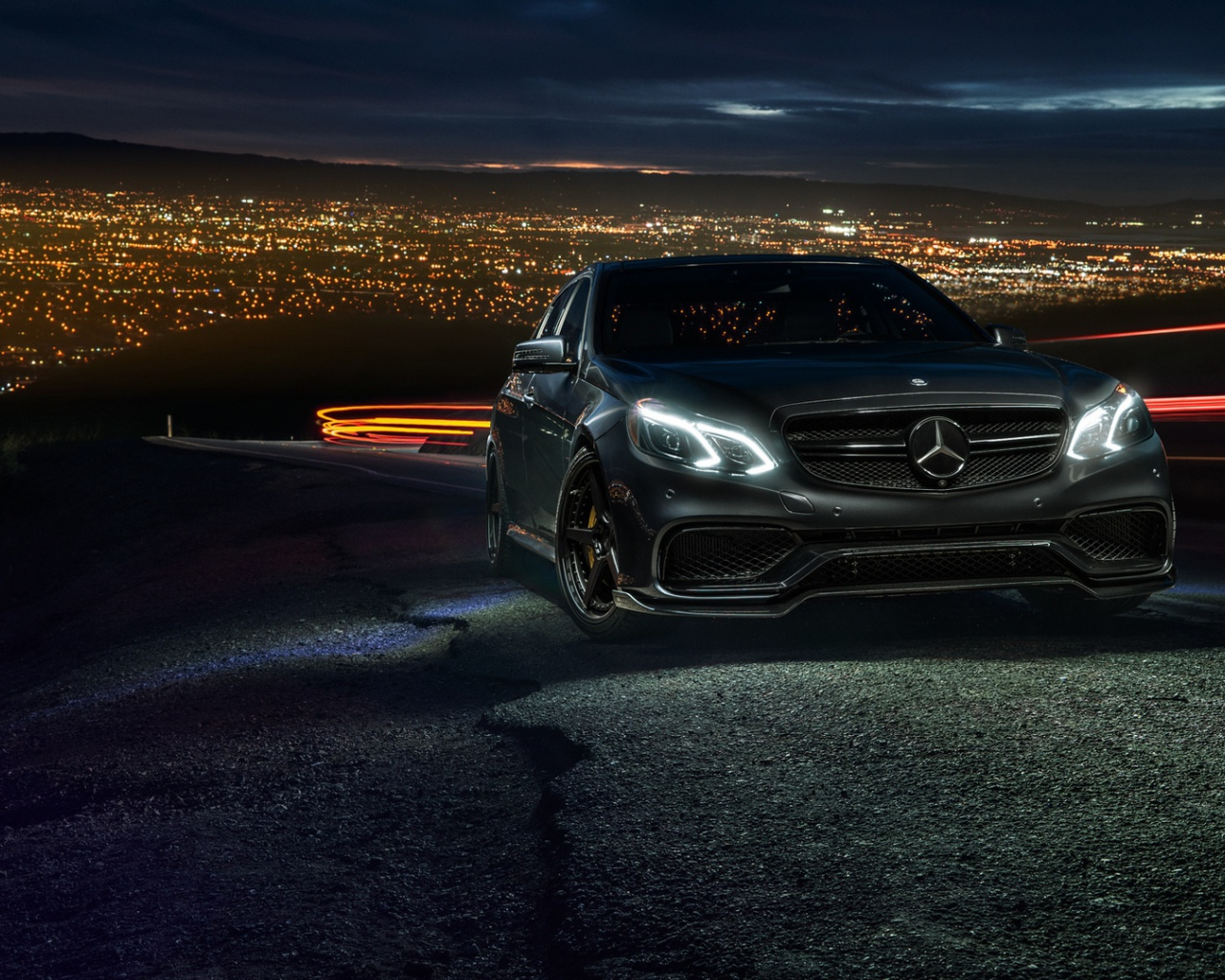 1280x1024 Mercedes Benz E63 AMG S Desktop PC And Mac Wallpaper