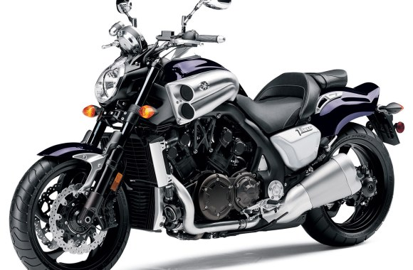Amazing Bikes 2013 Yamaha VMax HD Wallpaper Image