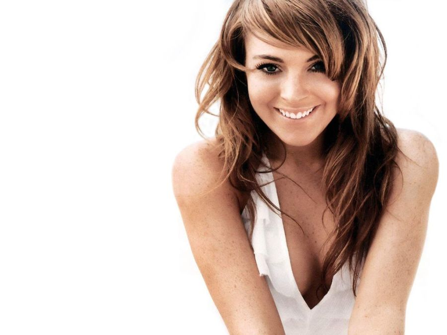 Lindsay Lohan Smile With White Dress HD Wallpaper Background