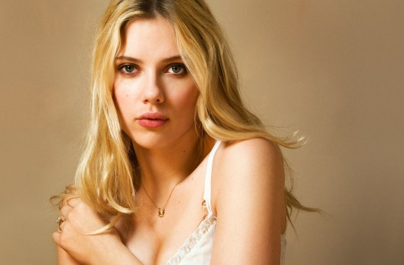 Scarlett Johansson Photoshoot High Quality In HD Wallpaper For PC Desktop