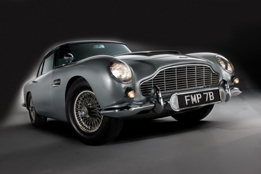 Aston-Martin - james Bond classic car