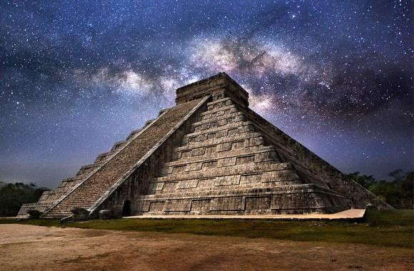 Milky Way over Mexico's El Castillo pyramid