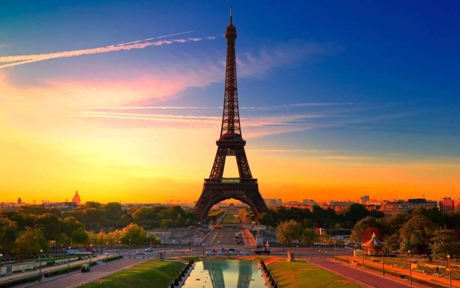Eiffel Ttower at Sunset