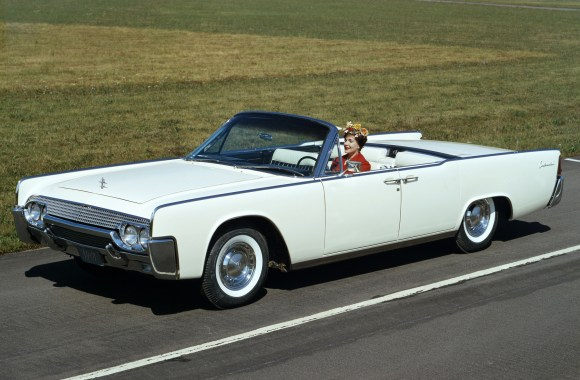 1961 Lincoln Continental HD Wallpaper