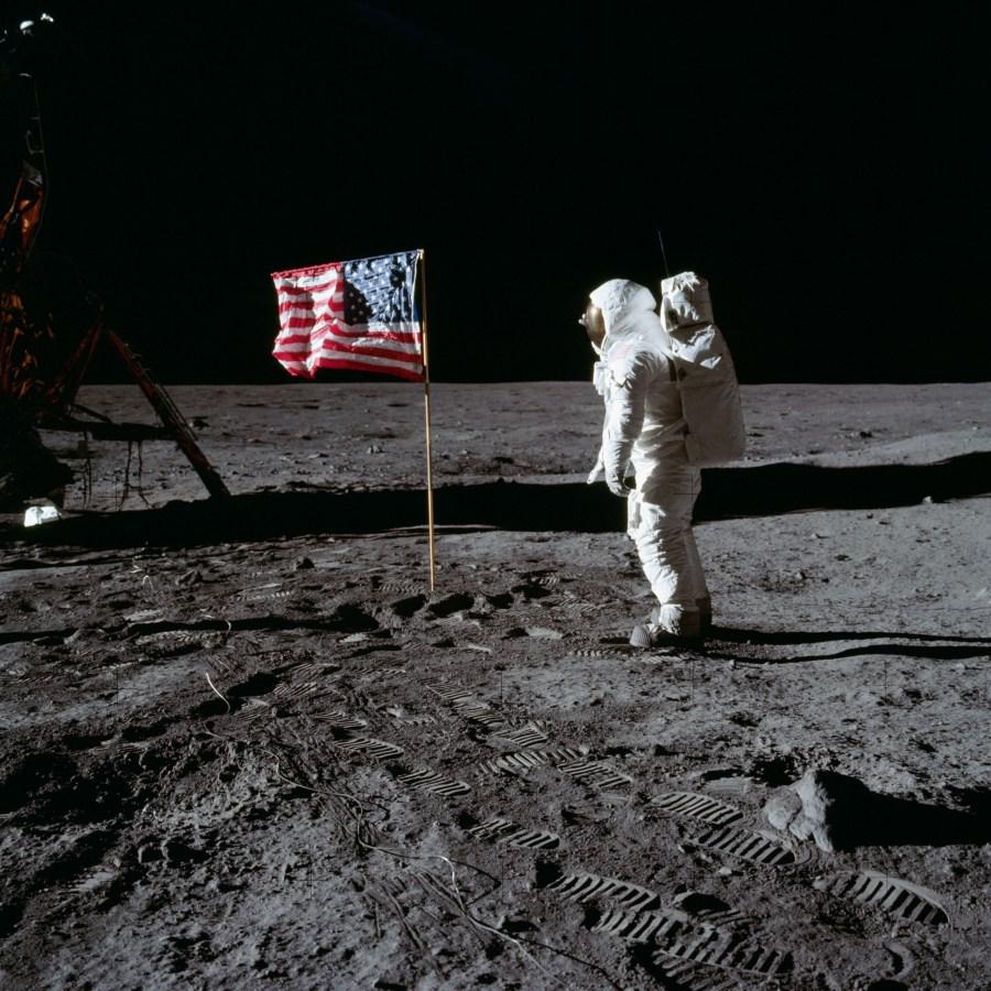 Buzz Aldrin 1969 Flag on the Moon HD Wallpaper