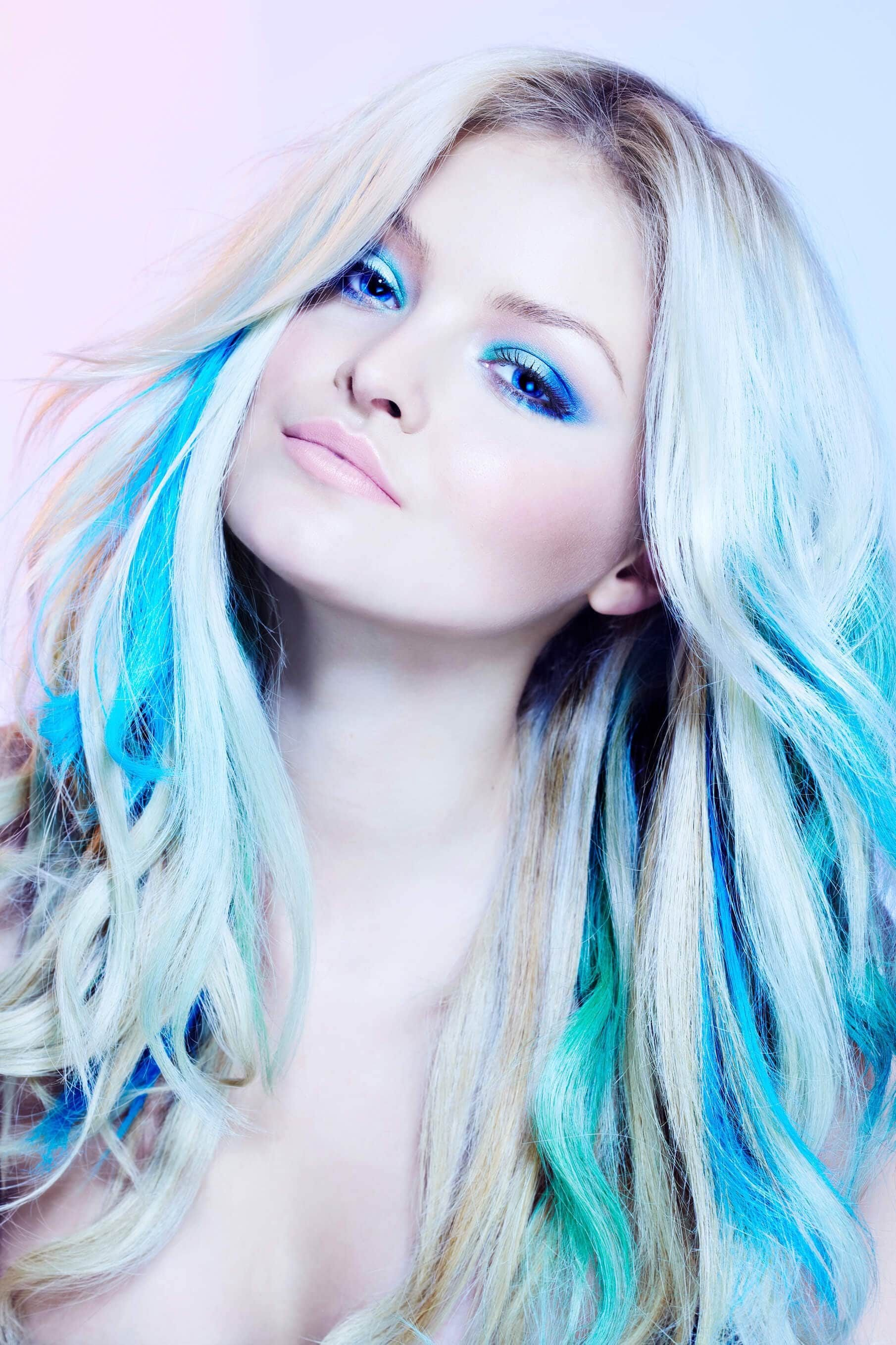 New Hair Streaks 16 Updated Ways To Wear This Trend Ideas With Pictures