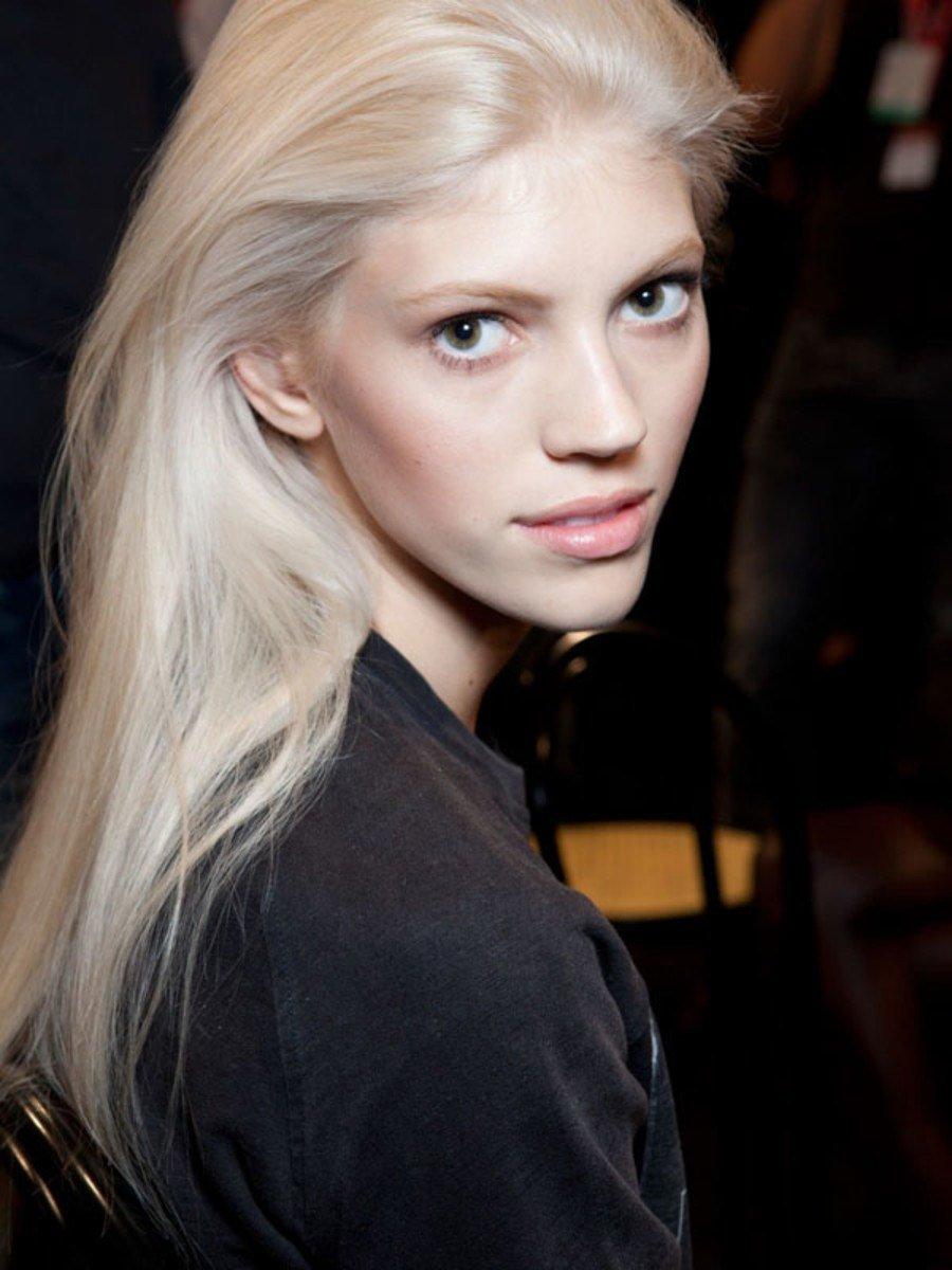 New How And Why I Went Platinum Blonde At Home Beautyeditor Ideas With Pictures