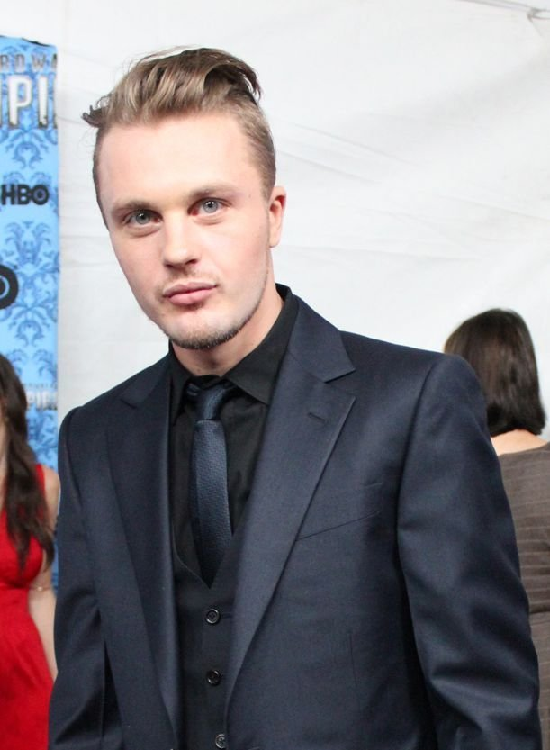 New Michael Pitt Again It S One Of Those Styles That Can Ideas With Pictures