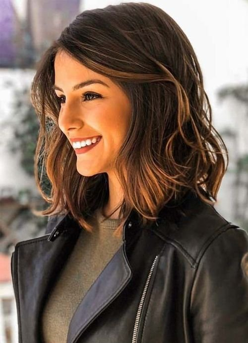 New Dazzling Shoulder Length Wavy Hairstyles 2019 For Women To Ideas With Pictures