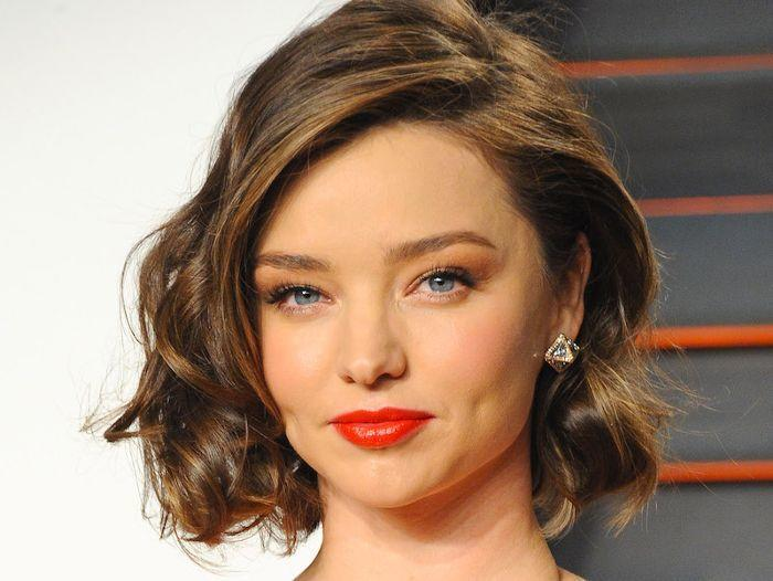 New 13 Flattering Hairstyles For Round Faces Ideas With Pictures