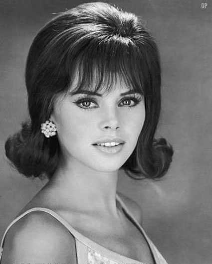 New 1960S Hairstyles – Top 10 Best Haircut Of 60S Era Ideas With Pictures