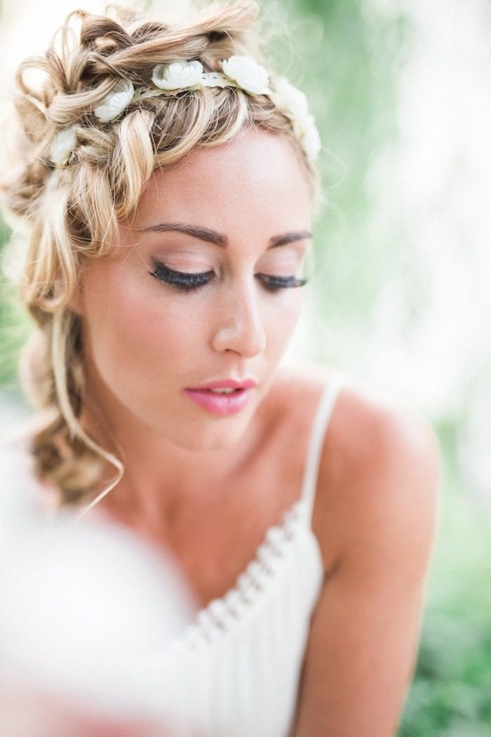 New Wedding Hairstyles For Medium Length Hair Modwedding Ideas With Pictures