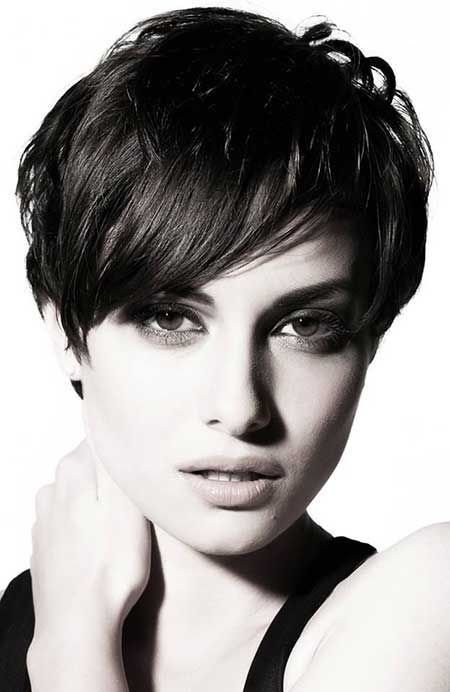 New 13 Pretty Short Hairstyles For Long Faces Pretty Designs Ideas With Pictures