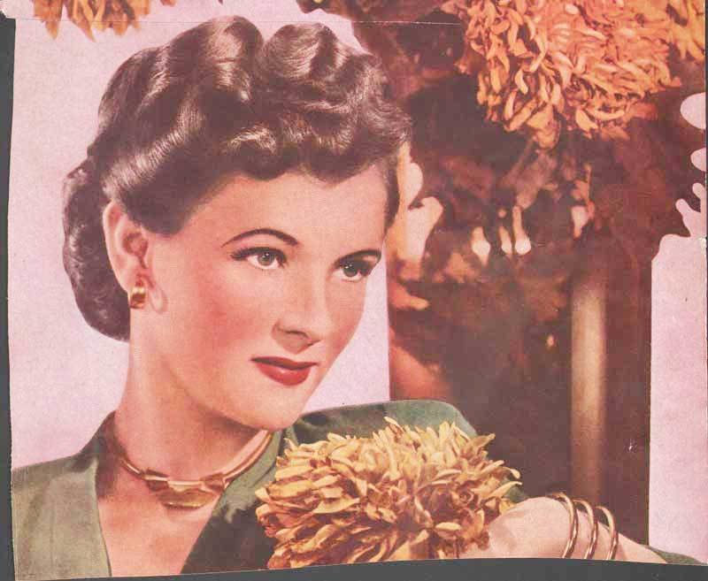 New 1940 S Hairstyles – The Sidesweep Craze – 1945 Glamourdaze Ideas With Pictures
