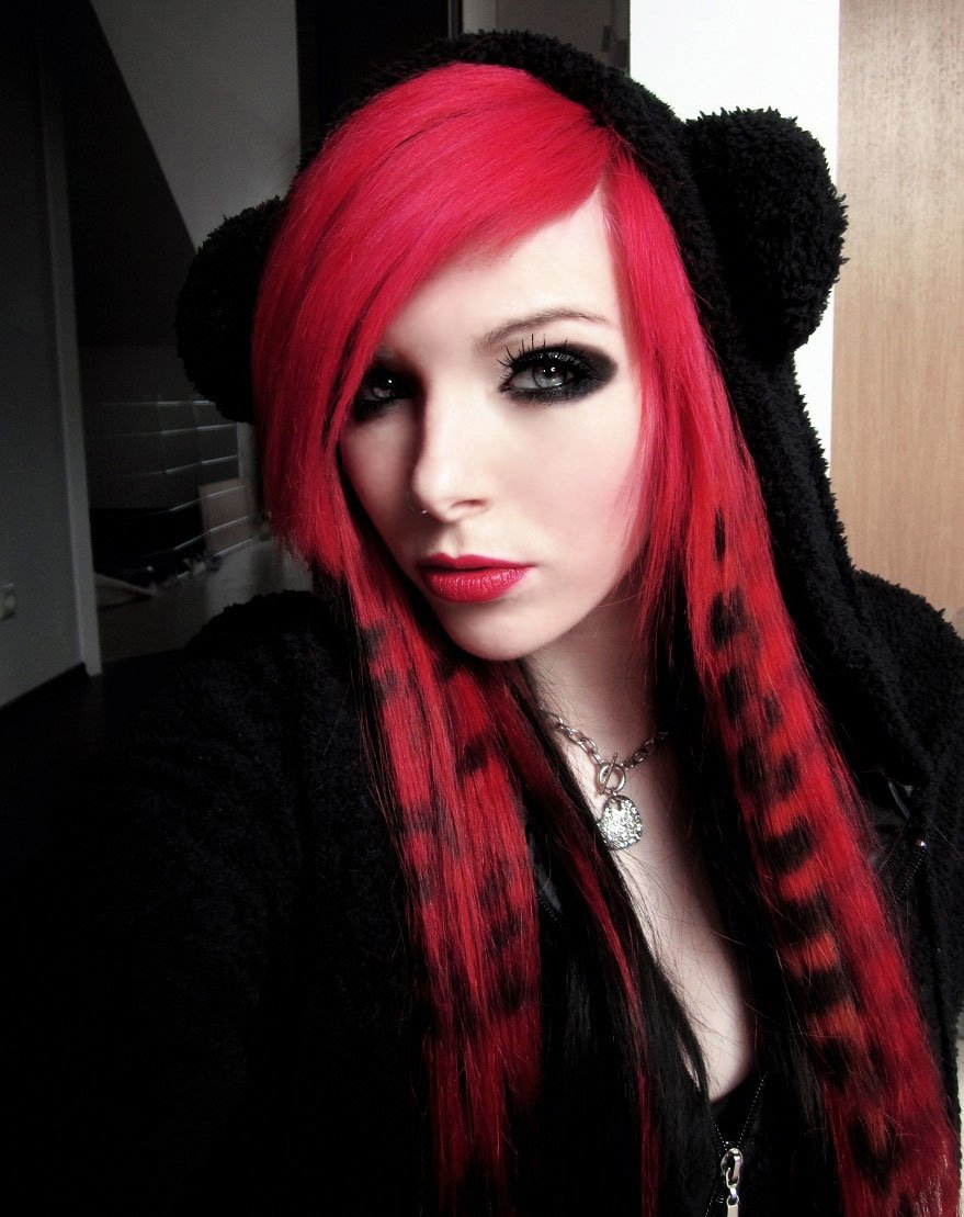 New Emo Hairstyles For Girls Get An Edgy Hairstyle To Stand Ideas With Pictures