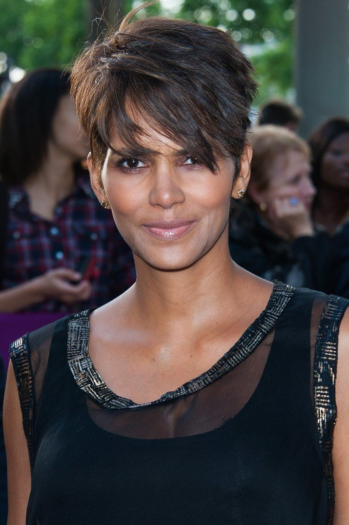 New Halle Berry Pixie Short Hairstyles Lookbook Stylebistro Ideas With Pictures