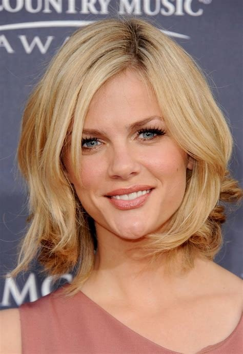 New Women Casual Hairstyles For Medium Length Hair Ideas With Pictures