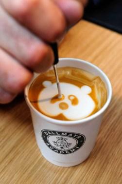 latte-art-bei-der-dallmayr-academy-halle-c3-stand-269-_