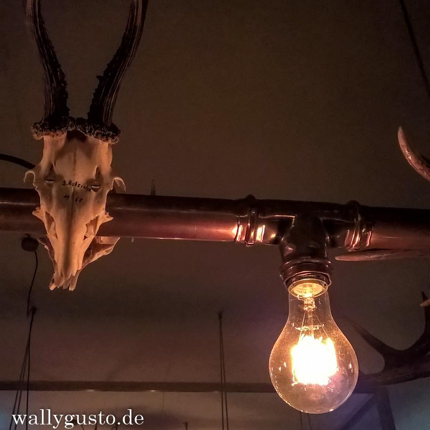 Trumpf oder Kritisch Wirtshaus & Bar in München