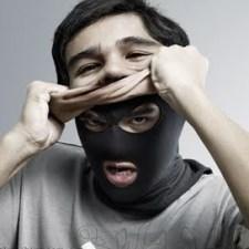 falso-mentiroso-mascarado-corrupto