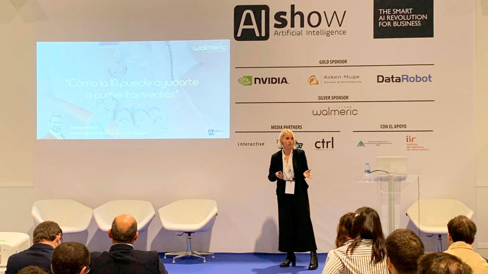 Irene Medina, Directora de Marketing de Walmeric, dando una ponencia en AIshow