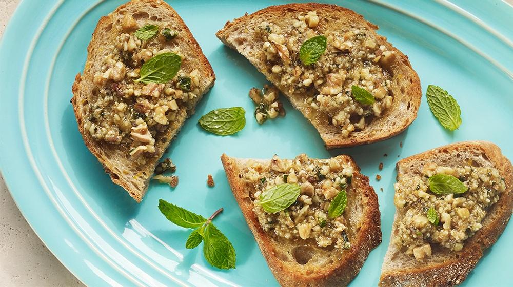 Walnut, Fennel and Mint Toasts