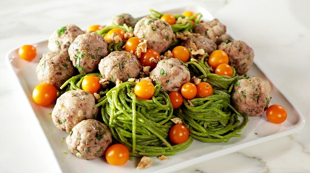 Spinach Pesto Pasta with Turkey Meatballs