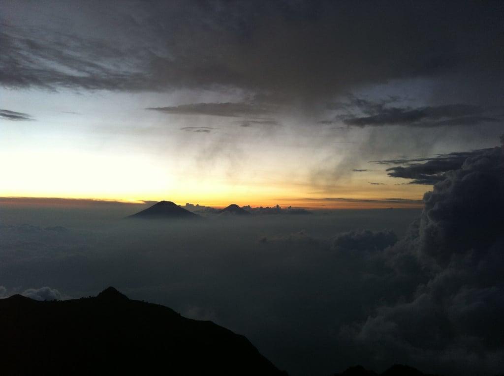 sunset dari gunung merbabu 6