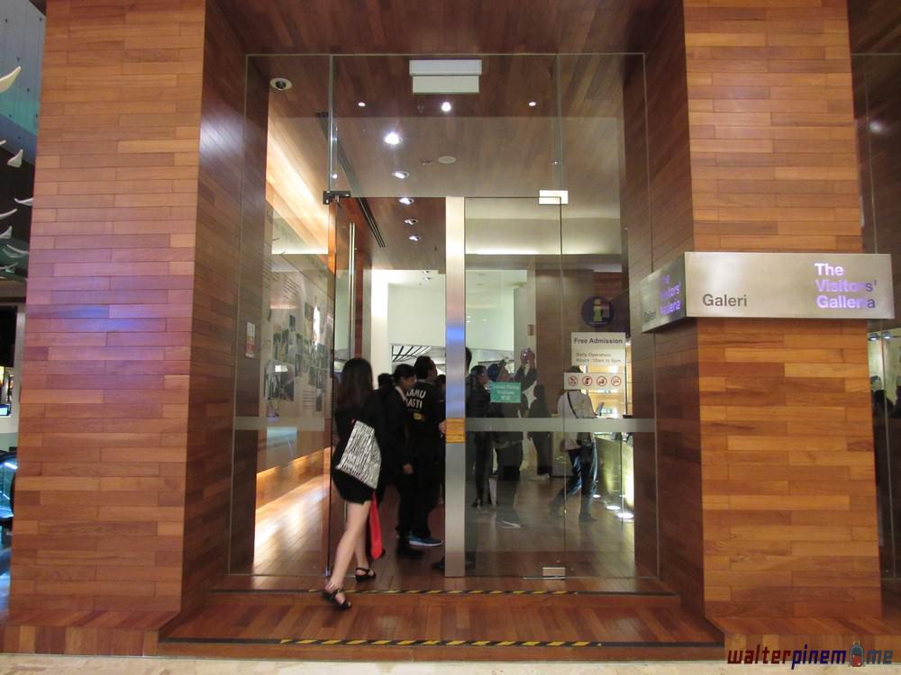 The Visitors' Galleria - 2x