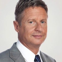 "Gary Johnson believes ""We should focus on creating a more efficient system of providing work visas, conducting background checks, and incentivizing non-citizens to pay their taxes, obtain proof of employment."""