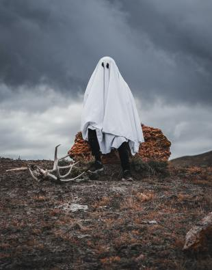 A ghost costume can be a cheap and easy costume for Halloween.