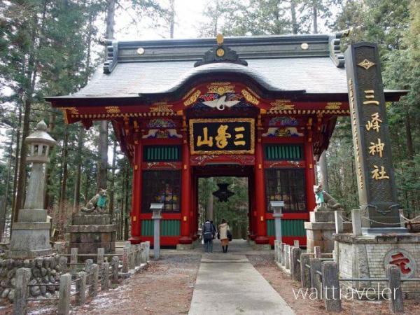 三峯神社 随身門