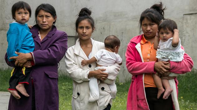 Mujeres shuar rompen el cerco del Estado de Excepción