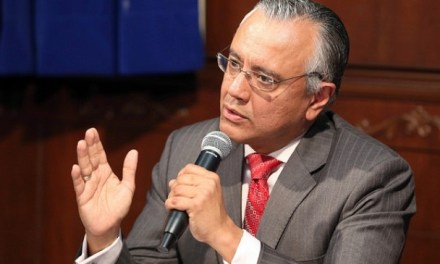 Alexis Mera: el personaje incómodo y conservador de Ecuador en la OEA