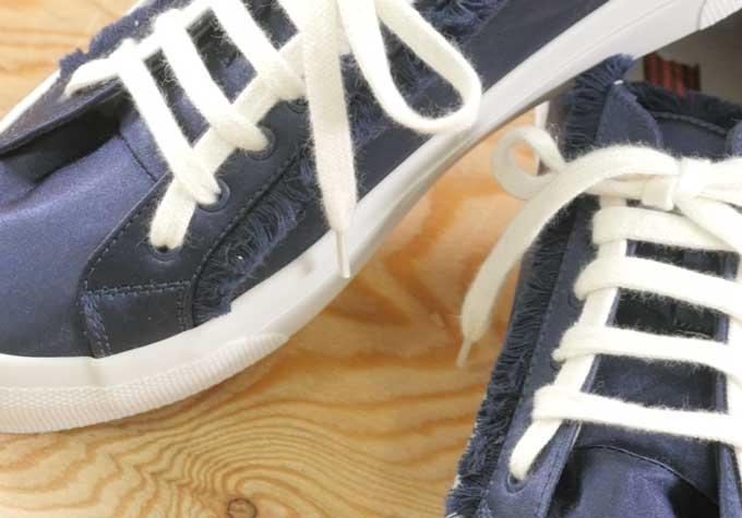 オシャレにスニーカーの靴ひもを結んで足元から周りと差をつけちゃいましょう〜はしご結び編〜