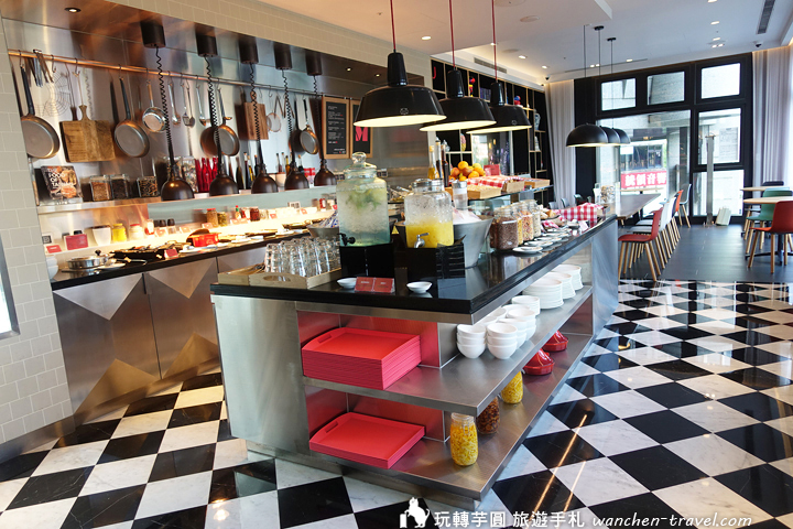 citizenM-breakfast