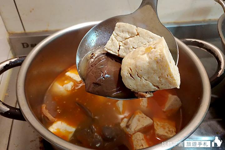 stinky-tofu-035375181