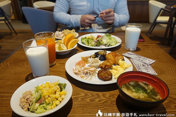 ooike-hotel-breakfast