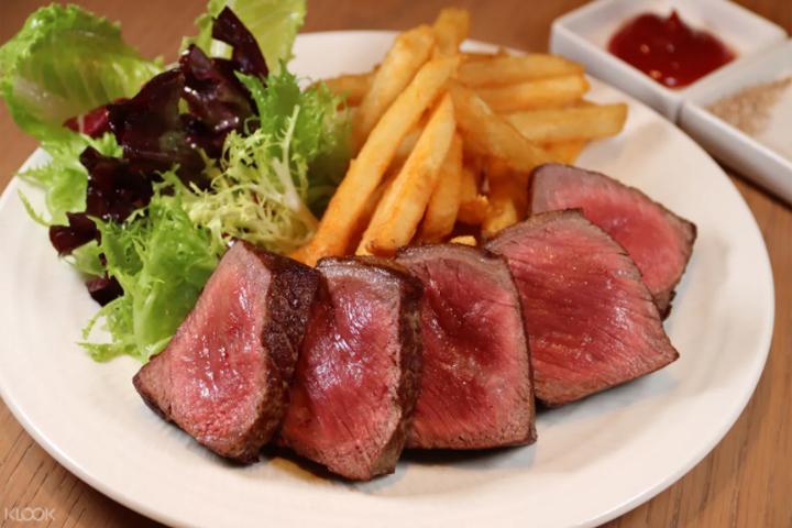 台灣牛排餐廳